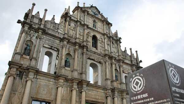 リオホテルは聖ポール天主堂跡などの観光名所へのアクセスも抜群